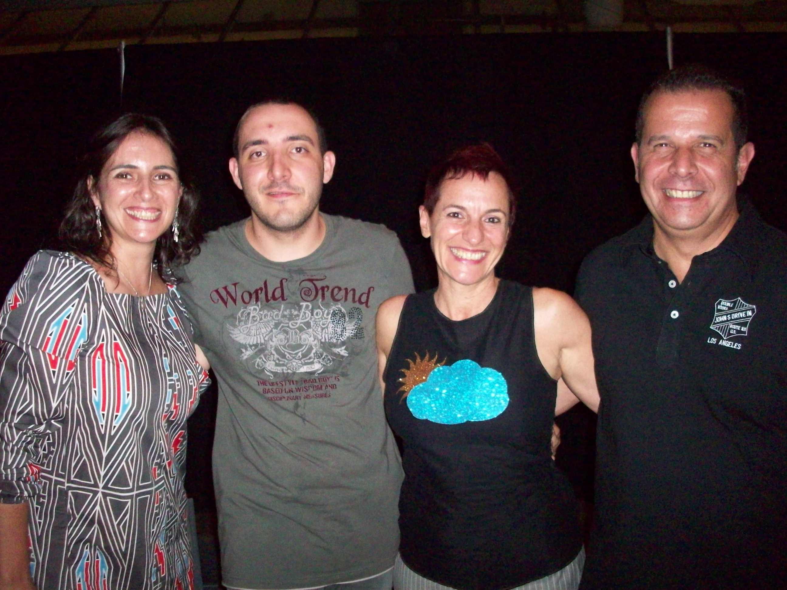 A-fotógrafa-Soraya-Montanheiro-o-consultor-Felipe-Brida-a-cantora-e-compositora-Laura-Finnochiaro-e-o-DJ-Raul-Vax-100_2455