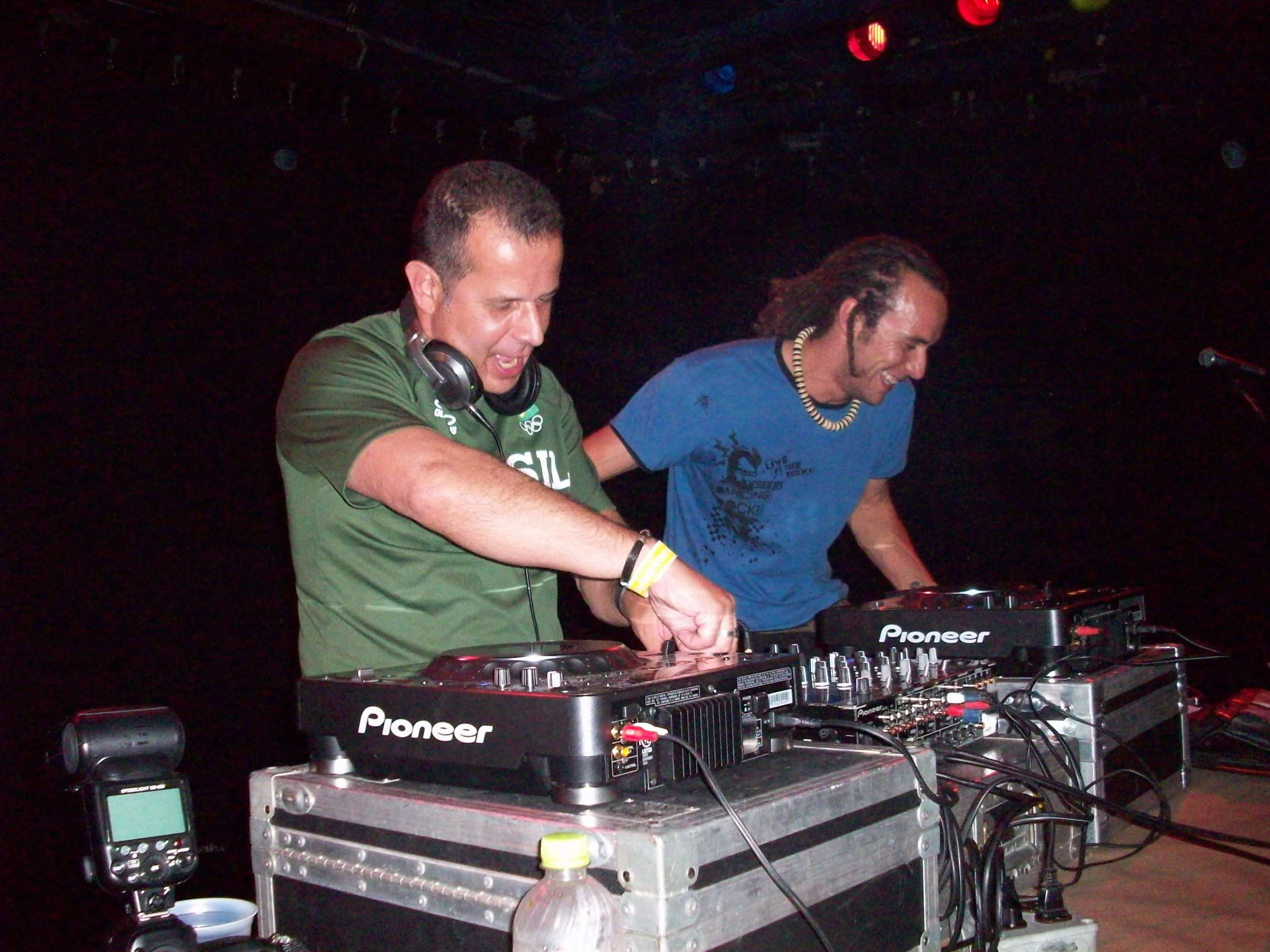 os-DJs-Branko-e-Raul-Vax-no-Expressions-of-Brazil-100_2597